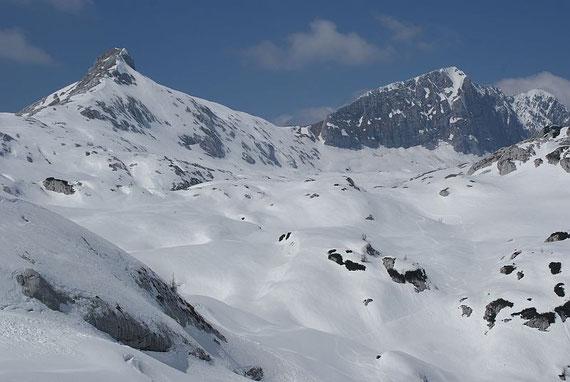 Der Blick zurück zum Picco di Grubia (links) mit der steilen Flanke