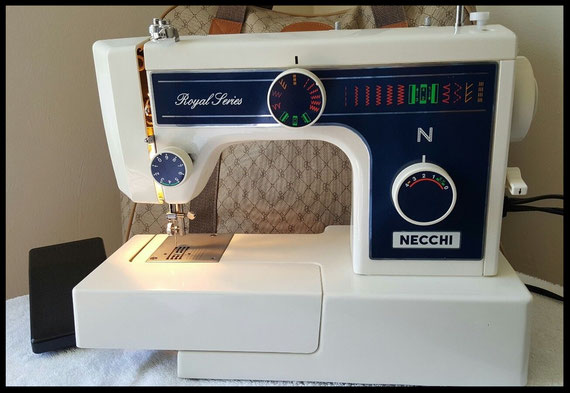 Necchi 3205 FA  Royal Series
