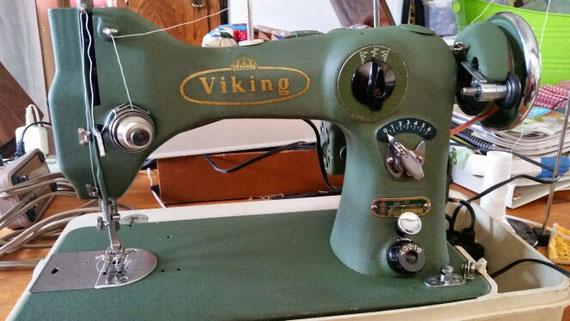 Husqvarna Viking  CB 33-10
