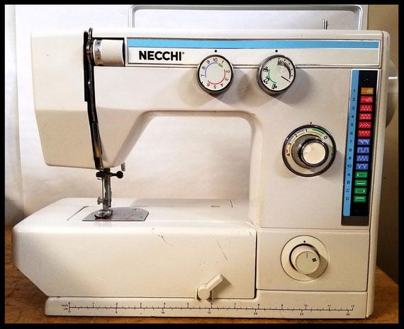 "Necchi   "" Model  537 L """