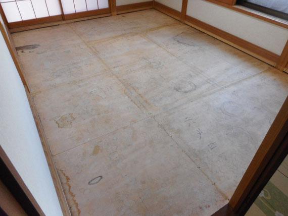 畳の下の床板も畳表替えの時にお掃除できます。