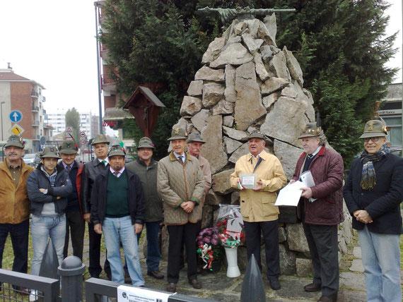 Gruppo Alpini e consegna Targa