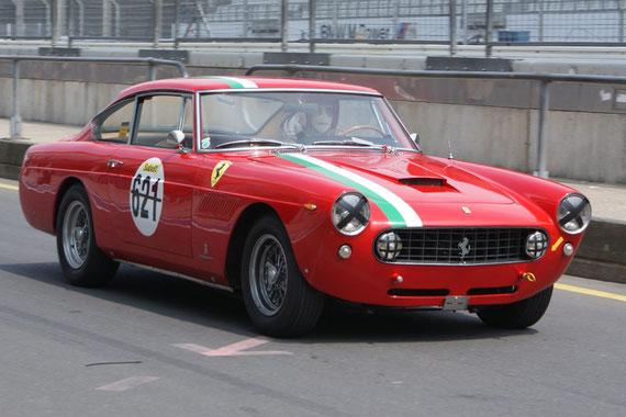 Ferrari 250 GTE 2+2 - by AliDarNic (Modena Trackdays 2009)