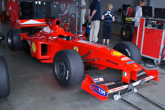 Ferrari 2000 '00 M Schumacher - by Alidarnic (Modena Trackdays 2009)