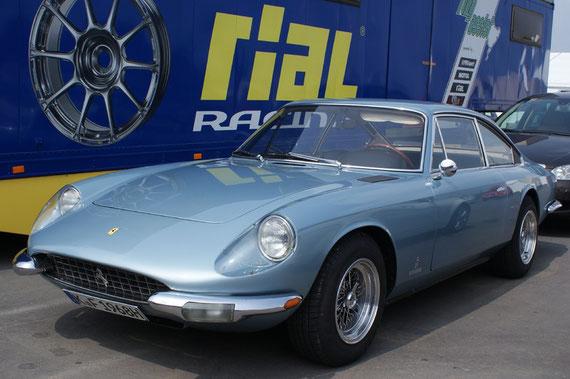 Ferrari 365 GT 2+2 - by AliDarNic (Modena Trackdays 2009)