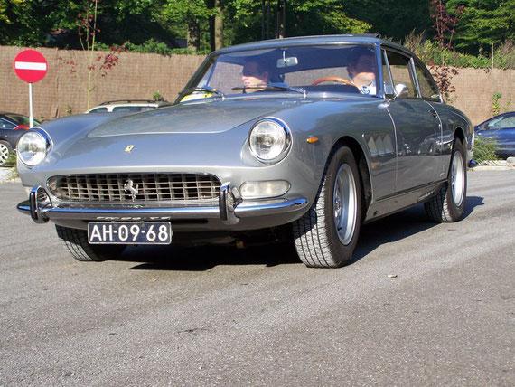 Ferrari 330 GT 2+2 Serie II - by AliDarNic