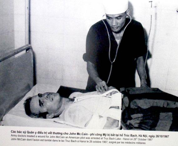 John McCain in vietnamesischer Kriegsgefangenschaft
