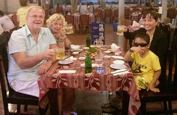 """Restaurant """"Huong Bien"""""""