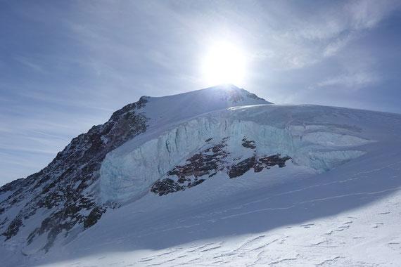Skitour Wetterhorn, Skihochtour Wetterhorn, Rosenlaui, Rosenlauigletscher, Engelhornhütte, Dossenhütte, Mittelhorn