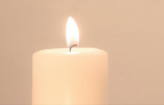"""Eine Kerze ist wie eine Dimensionsöffnung... (Foto: pixabay.com / """"photogrammer7/Carl)"""