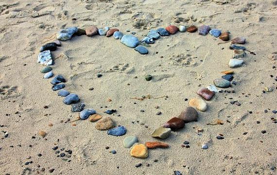"""Wahre Liebe ist nicht kontrollierbar... (Foto: pixabay - vielen Dank an """"AnnaER"""" :)"""