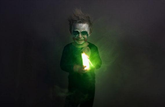 """Ist die Seele unheimlich oder nur ihre anhaftenden Energien, derer sie sich entledigen möchte? Foto: unsplash.com - many thanks to """"Zachary Kadolph"""" :-)"""