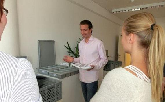 Robert als Seminarleiter in der Volkshochschule in Hamburg...