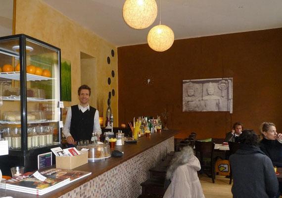 Robert in seinem früheren Berliner Lokal: Als Dienstleister nach außen hin immer freundlich...