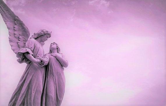 Ich glaube an göttliche Helfer, die man bitten darf... (Foto: pixabay.com / Karina Cubillo)