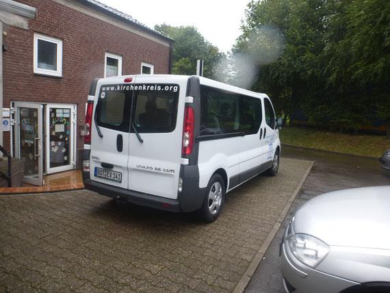 Für die Fahrten nach Nadeshda hat uns die evangelische Kirche Batenbrock immer kostenlos den Bus zur Verfügung  gestellt. Danke für die Hilfe.