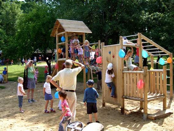 Planung von Spielplätzen und Spielgeräten für den öffentlichen Bereich