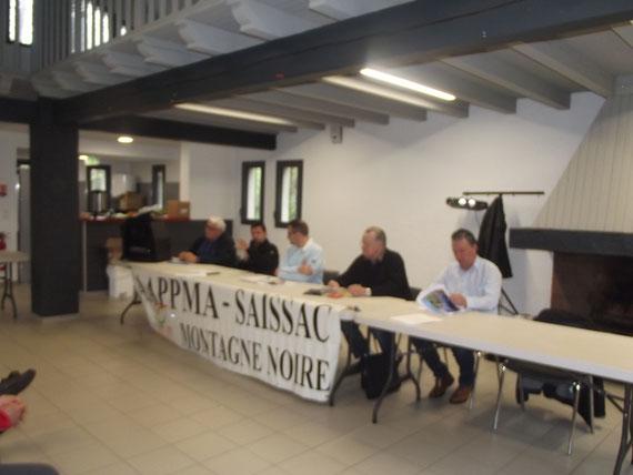 De gauche à droite, le secrétaire :B Anthèrieu, le président fédéral : D. Fernandez , le président de l AAPPMA : JM Trompette ,le trésorier : JC Piecq , Le maire : P Griiffe