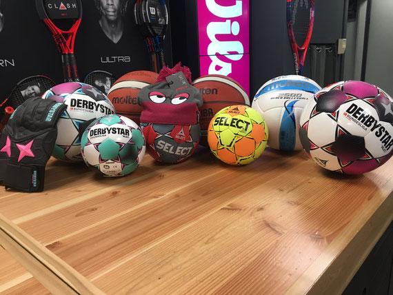 Bälle für Fußball, Handball, Basketball und Beachvolleyball immer auf Lager
