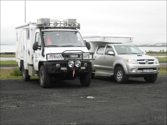 Mit diesen zwei Fahrzeugen werden wir nun Island unsicher machen.