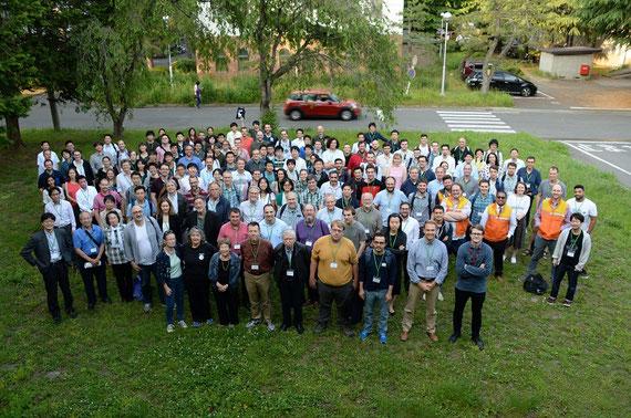 仙台で開催された外惑星研究の国際会議の全員集合写真。私は左端(主催者)。