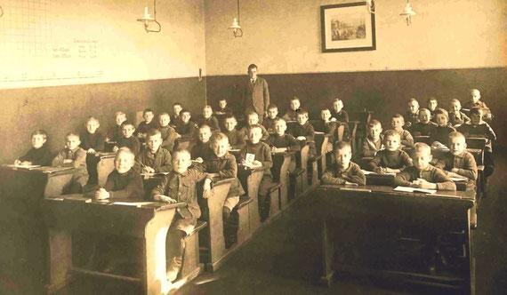 Knaben-Schule Radeberg, heute Pestalozzischule, um 1921