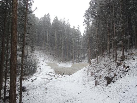 砂防堰堤の第3期工事も雪降りの前に終わりました。