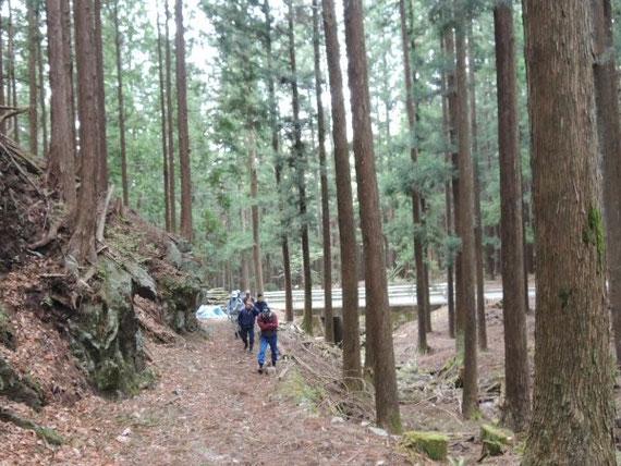 共有林役員による茗ヶ手山見出発