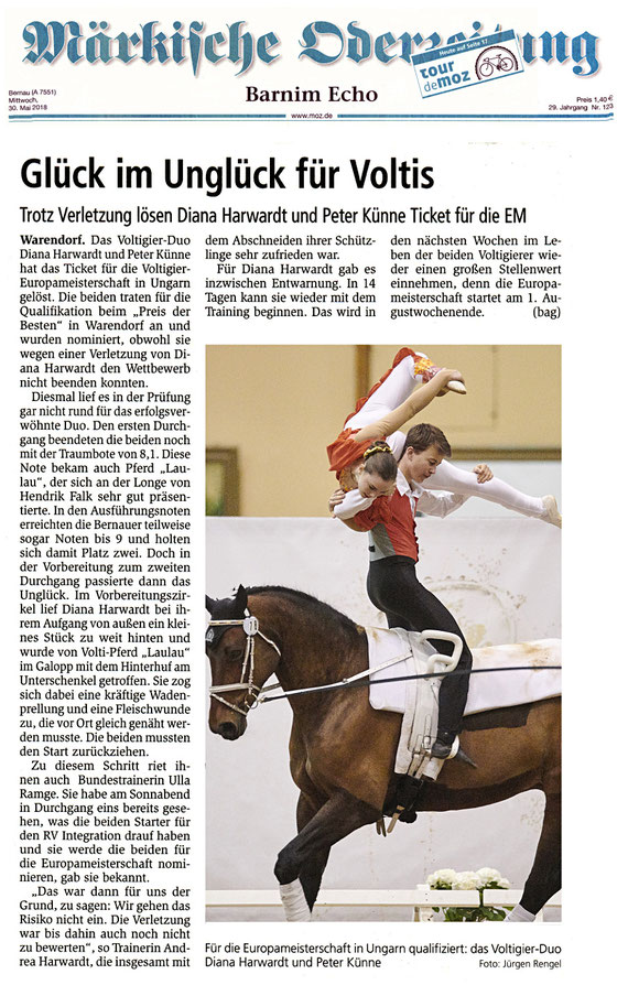 """Voltigierduo des RVI ist trotz Verletzung für die EM Teilnahme qualifiziert, dieser Artikel erschien am 30.05.2018 in der """"Märkische Oderzeitung""""  und in der Ausgabe 07/2018 """"Reiten und Zucht"""""""