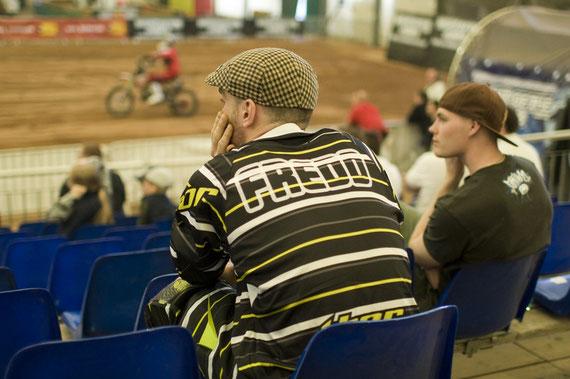 Fredd & Thom Johansson watching practice, NotJ Graz – Canon EOS 30D