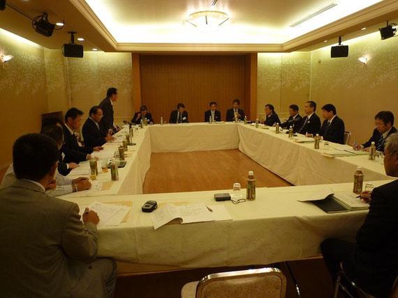 高知会館で開催された高知県土木部と高知県測量設計業協会との意見交換会
