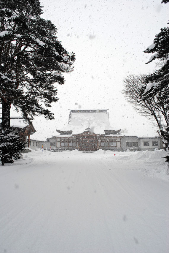 師走・しんしんと降る雪