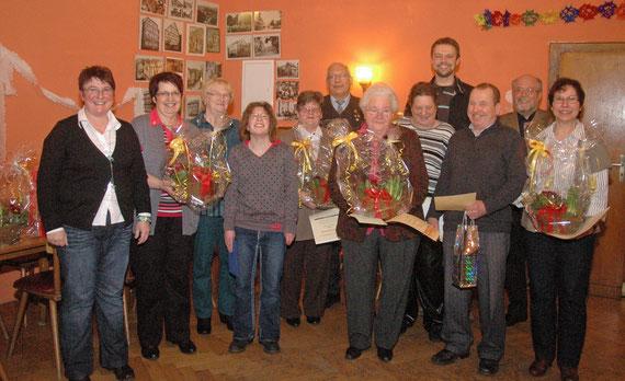 Die Geehrten und die Ehrenden genossen die Feierstunde gemeinsam.
