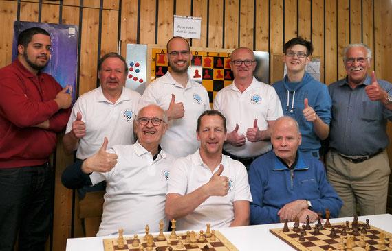 Die 2. Mannschaft vor dem letzten Auswärtsspiel in Postbauer-Heng am 22.04.2016