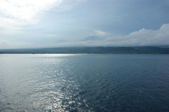 Erster Blick nach Bali von Java aus