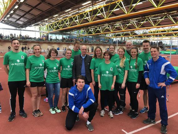 Studenten, Eltern und Trainer beim Lindesportfest 2018