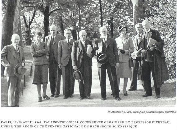 From left above: G. G. Simpson, Mrs. Haldane, J.B.S. Haldane, Jean Viret, D.M.S. Watson, Lucian Cuenot, Mlle. Dechaseaux, M. Guillaume, Teilhard.