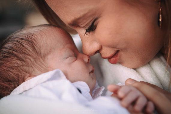 האם והתינוק | צילום ברית בפורט 15