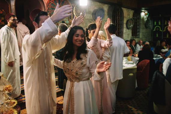 התלבושות והריקודים | צילום חינה מרוקאית בירושלים