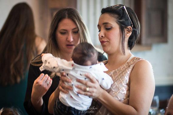 הצגת בתינוק לאורחים | צילום לברית בטוסקה אירועים