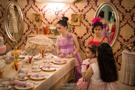 מסיבת התה בסגנון אנגלי   צילום יום הולדת בראשון לציון