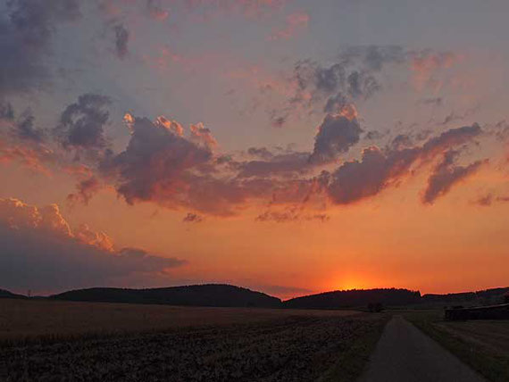 Sonnenuntergang in St.Johann auf der Schwäbischen Alb