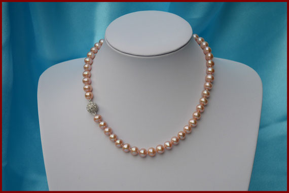 Collier de perles rondes roses dorées de 9/10 mm
