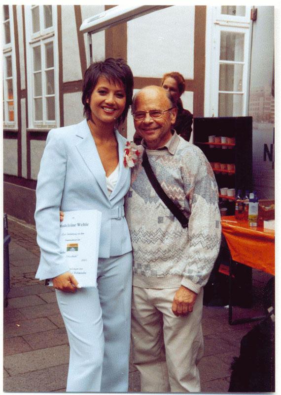 """Madeleine Wehle und ich nach der """"Aktuellen Schaubude"""" in Nienburg 2005"""