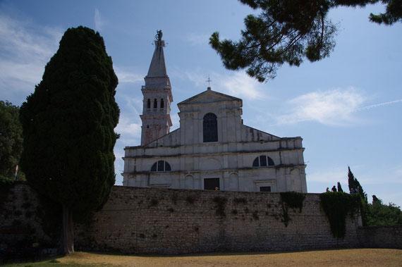 Cathédrale Sainte Euphémie  et son campanile