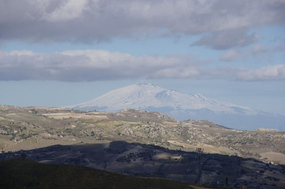 Et voici la seule photo de l'Etna, le temps est dégagé, nous n'aurons pas l'occasion de le revoir