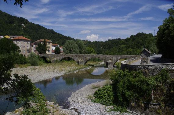 Le pont romain de Montébruno