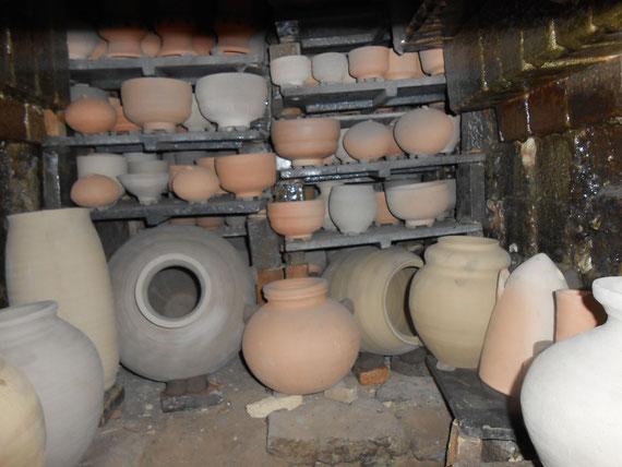 レンガや童仙房で窯詰時工夫 お火や熱 薪で押されて窯出しの時大変な為