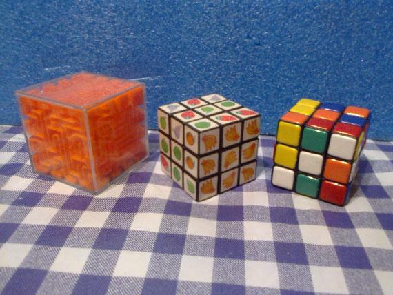 El cubo mágico fué uno de los juegos más populares en esta década.