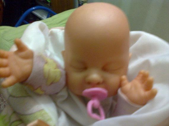 Este bebé títere, envuelto en su mantita se vendía en las calles en los primeros años de este nuevo siglo.